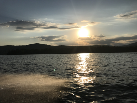 Renting a boat on Lake George